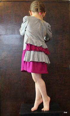 Peacock Dress - Recycled fabricks. Peacock Dress, Cold Shoulder Dress, Fabrics, Summer Dresses, Handmade, Fashion, Tejidos, Moda, Hand Made