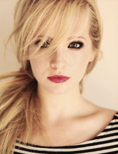 Her makeup and her hair! Just Perfect. Candice Accola ~ The Vampire Diaries <3