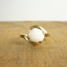 1940s art deco ring. Love it!!!