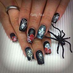 Nail Art Corps Bride