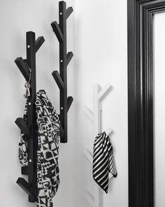 Bekijk de nieuwe collectie van Ikea. Wat een mooie kapstok. Verkrijgbaar vanaf april. http://www.interieurinspiratie.nl/ontdek-de-nieuwkomers-van-ikea-in-april/