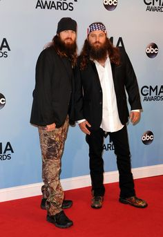 Duck Dynasty goes Country Classy (kind of). #CMAAwards