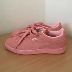 Women's Puma Suede Classic Pastel Pink Size 7 Worn once or twice. Barely noticeable scuff on the suede, please refer to pictures. Other than the minor mark, these look brand new. Released in 2015. Chic and extremely comfortable~ >>>>>NO TRADES, SEND ME AN OFFER BELOW<<<<<< item #: 355462-12 Puma Shoes Sneakers