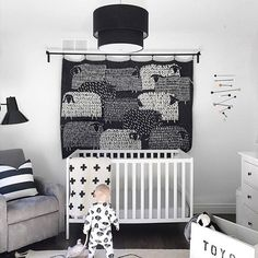 Can't sleep? Try counting some sheep via this gorgeous mod tapestry. Gorgeous nursery by: @_ericashaw