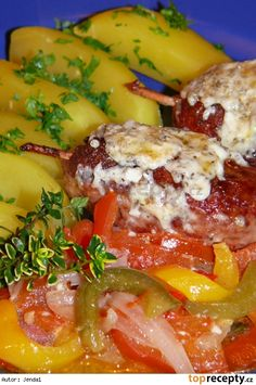 Čufty Baked Potato, Potatoes, Chicken, Meat, Baking, Ethnic Recipes, Food, Red Peppers, Potato