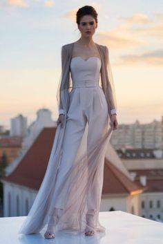 Chica usando un jumpsuit de color blanco - Anziehsachen - Look Fashion, Womens Fashion, Fashion Design, Classy Fashion, Fashion Beauty, Tween Fashion, Dress For You, Dress Up, Wedding Jumpsuit