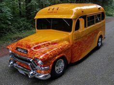 I love this GMC bus. I wish I rode in this as a kid.