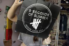 5 Seconds Of Summer poster ♡ 5sos Logo, 5sos Wallpaper, Tumblr Quality, 5sos Pictures, Summer Poster, Thank You Mom, Let's Chat, 5 Sos, Get Tickets
