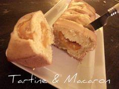 idee per iniziare la giornata in bellezza su Tartine & Macaron #colazione #cake #frutta #albicocche http://blog.giallozafferano.it/tartineetmacaron/cake-allalbicocca-per-colazioni-fragranti/