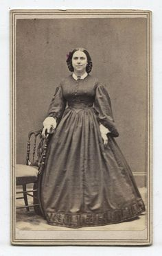 CDV CIVIL WAR ERA. WOMAN HIGH BEAMIN 19 CENTURY NIPPLES.