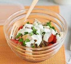 indian chicken protein pot // leftover chicken combined with spiced lentils and tomatoes and topped with tzatziki Quick Healthy Breakfast, Healthy Meals For Two, Healthy Snacks, Healthy Eating, Healthy Recipes, Lunch Recipes, Protein Recipes, Meat Recipes, Chicken Recipes