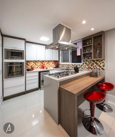 americaarquitetura   Cozinha   Toque de vermelho   Projeto: América Arquitetura   Foto: César Vieira