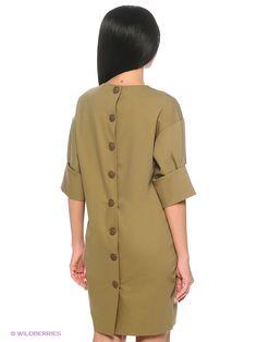 Элегантное  платье прямого силуэта из однотонной ткани костюмной группы. Модель с округлым вырезом горловины и рукавом 3/4 со складками. Впереди выполнены карманы в швах от бока.Сзади застежка на пуговицы. Такое платье - визуально скроет недостатки вашей фигуры и подчеркнет достоинства.
