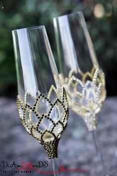 Kaufen Sie Achtung, bitte nicht wenn Sie eine Hochzeit im April 2018 haben. Hochzeit Gläser, Hochzeit, Champagner-Flöten, Gold & Kristall Hochzeit Toasten Flutest, Flöte Champagner-Gläser, geometrische Gläser Gold Flöten, Gold schwarze Kristalle Geometrischer Dekor ist der heißeste Trend