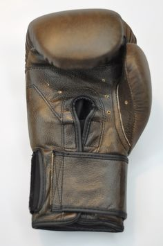 Another look at our Ring Leader Golden Era Boxing Gloves.  I could just stare at her all day...