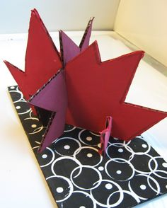 Alex Calder abstract sculpture- good for Chicago kids with Calder in the city 3d Art Projects, Classroom Art Projects, School Art Projects, Art Classroom, Group Projects, School Ideas, Sculpture Lessons, Sculpture Projects, Sculpture Ideas