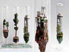 Micro Matter (Micromatéria) é uma série de dioramas surreais da designer com base em Amsterdã Rosa de Jong. Utilizando técnicas simples da elaboração de maquetes, Jong monta pequenas construções em porções de terreno com rochas,...