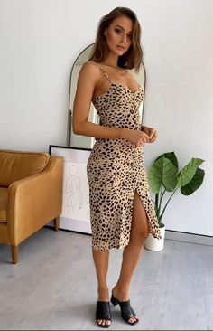 The Amaretto Midi Dress in Leopard is a sexy mid-length dress ideal for your next date night. Pair with a strappy black heel and nude clutch to achieve the ultimate sultry date night look. Model Outfits, Sexy Outfits, Cute Casual Outfits, Fashion Outfits, Animal Print Fashion, Sexy Legs And Heels, Mid Length Dresses, Zara Dresses, Printed Skirts