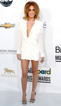 Miley Cyrus dress 15 Throwback Billboard Music Awards Dresses You Need to See All Over Again… Miley Cyrus 2012, Miley Cyrus Dress, Miley Cyrus Style, Miley Stewart, Hollywood Records, Billboard Music Awards, Glamour, Fashion Gallery, Red Carpet Looks
