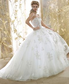 Eve Of Milady - Sweetheart Ball Gown in Silk Organza front