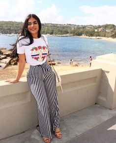 Looks com Calças listradas Looks Inspired with Pants Striped, palazzo pants, striped pants, looks st Classy Outfits, Chic Outfits, Fashion Outfits, Womens Fashion, Fashion Trends, Fashion Pants, Fashion Ideas, Fresh Outfits, Ladies Fashion