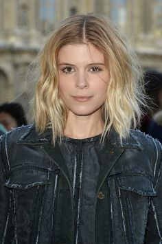 The Classic Bob - Kate Mara  A timeless hairs trend indeed, the classic bob can be donned with a bang, fringe, layers. Keep it natural and wavy to don that summer breezy look.