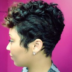 Perfection by @hairbyestyles | #thecutlife #shorthair #pixiecut #curls #haircolor #style #beauty #stunner ✂️ #Padgram
