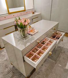 24 Ideas bathroom closet remodel walks for 2019 Walk In Closet Design, Bedroom Closet Design, Closet Designs, Dressing Room Closet, Dressing Room Design, Dressing Rooms, Cheap Home Decor, Diy Home Decor, Wardrobe Room