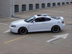 White Hyundai Tiburon GT V6