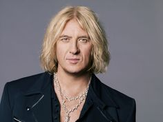 Joe Elliot...  Could this man get any sexier?