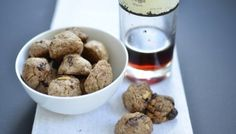 (Italiaanse) vegan chocolade koekjes met pijnboompitten Sugar Free, Dog Food Recipes, Cereal, Breakfast, Ideas, Dog Recipes