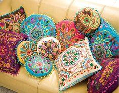 インドカシミール刺繍クッションカバー
