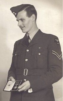 Bob Hollowday GC -One of the earliest awards of a George Cross was to an airman   stationed at RAF Cranfield. He was AC1 Vivian Hollowday, a member of   14 FTS (Flying Training School), who in July and August 1940 performed   two acts of exceptional bravery.