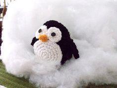 holiday penguin crochet pattern | Free Amigurumi Penguin Pattern - [o_o]