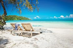 Koh Rong Sanloem is one of the top islands to visit in Cambodia!! #KohRongSanloem #Cambodia #Cambodiaattractions