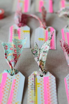 http://decor8blog.com/2012/11/22/washi-tape-gift-tags-diy/ Washi Tape Gift Tags DIY