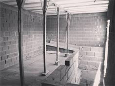 En #obra  seguimos avanzando con la ampliación en planta alta. . . #enobra #blackandwhite #construccion #constructionworker #archilovers #archidaily #homedecor #homedesing #desing #arquitectura #architecture #brick #wall #ladrillo #home #loft