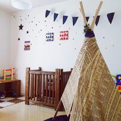 PUNさんの、ベッド周り,子供部屋,DIY,手作り,セリア,キャンドゥ,北海道,中古住宅,ティピーテント,男前,いつもいいねありがとうございます♡,フォローありがとうございます♡,百均リメイク,コンテスト参加,kidsroom,デニムガーランド,squ+,黒板シート セリア,IG→m.kanakan,のお部屋写真