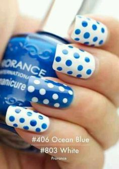 With the right outfit, blue Poka dots nails!