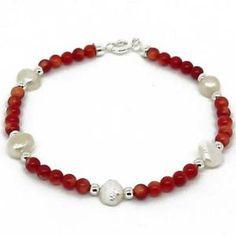 Pulsera de coral rojo y perlas