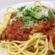Spaghetti Sauce with Ground Beef. This is now my go to recipe for spaghetti sauce. So good I was even eating it without pasta lol Sauce Recipes, Pasta Recipes, Beef Recipes, Cooking Recipes, Healthy Recipes, Recipies, Recipe Pasta, Jello Recipes, Beef Tips