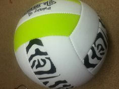 Cute volleyball!! Awesome for just playing around in your yard!! This is my favorite sport!! Love it❤❤