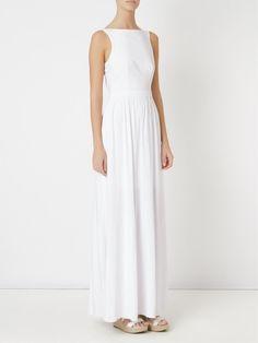 10 vestidos minimalistas e elegantes para noivas básicas