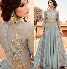 I am mesmerized! I am loving the new and feminine Pakistani fashion I am seeing. Indian Wedding Outfits, Pakistani Outfits, Indian Outfits, Indian Gowns, Indian Attire, Pakistani Bridal, Indian Bridal, Pakistani Couture, Moda Indiana