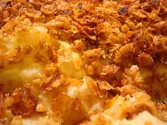 Hot Dinner Happy Home: Mom's Cheesy Potatoes Cheesy Potatoes With Hashbrowns, Frozen Hashbrowns, Southern Thanksgiving Menu, Thanksgiving Recipes, Supper Recipes, Great Recipes, Favorite Recipes, Cream Of Broccoli Soup, Cream Of Chicken Soup