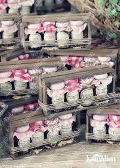 www.kamalion.com.mx - Mesa de Recuerdos / Giveaways / Detalles Personalizados / Vintage / Bautizo / It's a girl / Pink / Rosa / Mermelada / Jam / Wood / Madera / Salsas / Kit de Mermeladas / Frascos / Jars.