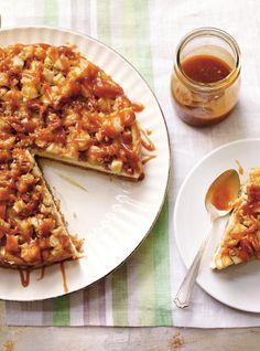 Ricardo& recipe : Caramel and Apple Cheesecake Caramel Apple Cheesecake, Best Cheesecake, Cheesecake Recipes, Caramel Apples, Cheesecake Recipe Food Network, Food Network Recipes, Cooking Recipes, Diet Recipes, Apple Dessert Recipes
