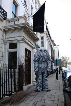Mulberry store, London.......not sure what this is.....but i want to have it!