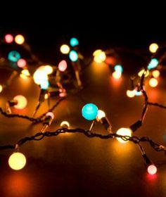 How to find a broken bulb on a string of lights. (Yes, it's actually possible.)