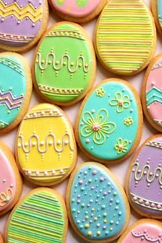 Nice pastel Easter egg cookies by Annalise Cakes. I'm not sure I would have the patience to make these but they are beautiful! Too pretty to eat! No Egg Cookies, Fancy Cookies, Iced Cookies, Cute Cookies, Easter Cookies, Easter Treats, Cookies Et Biscuits, Holiday Cookies, Cupcake Cookies